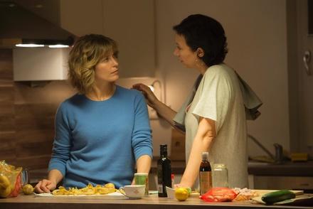 """Der Gewinnerfilm der Fernsehsektion 16:9: """"Meine fremde Freundin"""" mit Valerie Niehuas und Ursula Strauss (Bild: NDR/Polyphon)"""