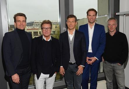 Der neu formierte Vorstand des Bundesverbands Musikindustrie (BVMI, von links): Philip Ginthör (Sony Music), Bernd Dopp (Warner Music), Frank Briegmann (Universal Music), der frisch zum Vorstandsvorsitzenden gewählte Florian Drücke und Konrad von Löhneysen (Embassy of Music) (Bild: Oliver Walterscheid)