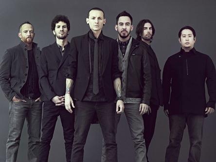 Der Tod ihres Frontmanns Chester Bennington schlägt sich auch in den Charts nieder: Linkin Park (Bild: James Minchin)