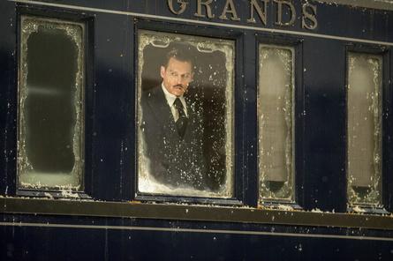 """Die neue Nummer eins in den britischen Kinocharts: die Neuverfilmung von """"Mord im Orient Express"""" (Bild: Fox)"""