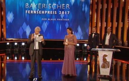 Ehrenpreisträger Gerhard Polt und Ilse Aigner (Bild: Screenshot 3Sat/ZDF)