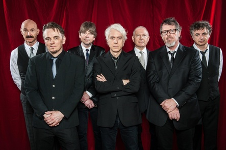 Endlich wieder auf deutschen Konzertb�hnen aktiv: King Crimson (Bild: KBK)