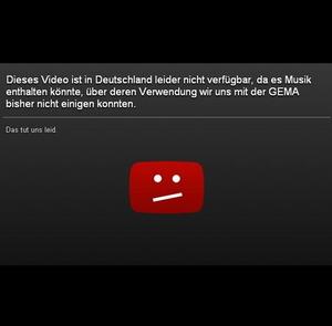Enthält nun einen leicht geänderten Text: die GEMA-Sperrtafel von YouTube (Bild: Screenshot YouTube)