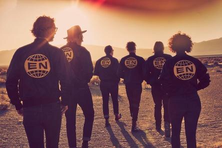 Erneut auf dem Platz an der Sonne gelandet: Arcade Fire (Bild: Guy Aroch)