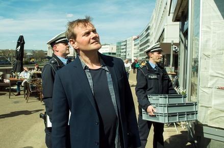 Erste Nummer 1 im neuen Jahr: Der ?Tatort? mit Devid Striesow (Bild: SR/Manuela Meyer)