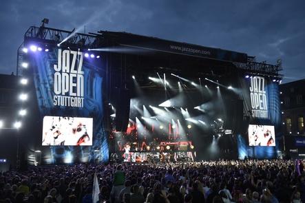 Es wird wieder voll bei den jazzopen stuttgart: hier die zentrale Bühne auf dem Schlossplatz (Bild: Opus)