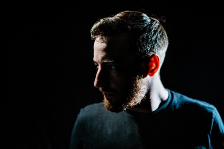 "Feiert mit ""Lang lebe der Tod"" sein drittes Nummer-eins-Album: Casper (Bild: Christian Alsan)"