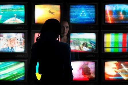 Gal Gadot alias Wonder Woman (Bild: Warner Bros.)