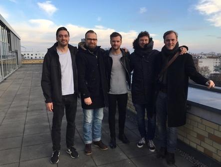 Gehen weiter gemeinsame Wege (von links): Patrick Pitz (UMPG), Markus Wenzel (UMPG), Daniel Grunenberg, Uli Kuppel (Manager & Editionär) und Christian Zenger (Anwalt) (Bild: Universal Music Publishing)