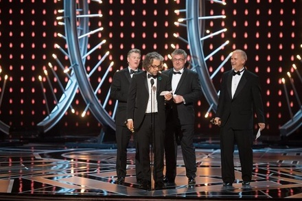 Gerd Nefzer (dritter v.l.) war einer der deutschen Oscar-Gewinner (Bild: Aaron Poole / A.M.P.A.S.)