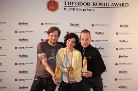 Gewannen 2015 beim ersten Theodor König Award (von links): Tjorre Hasubski (Lichttechnik), Katharina Duwe (Kulisse) und Thomas Harm (Instrumentenbau) (Bild: MusikWoche)