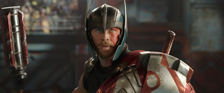 """Glaubt man den Amazon-Pre-Order-Charts, so wird vor allem die Blu-ray zu """"Thor: Tag der Entscheidung"""" sehnlichst erwartet (Bild: Walt Disney)"""