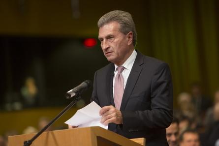 Hat sich offenbar erfolgreich für die Wahrung des Territorialitätsprinzips bei der Filmauswertung eingesetzt: EU-Kommissar Günther Oettinger (Bild: Europäische Kommission)