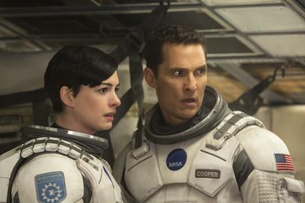 """Hauchdünne Nummer eins: """"Interstellar"""" (Bild: Warner)"""