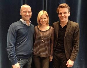 Hoffnungsfroh f�rs neue Album (von links): Stefan Goebel (Senior Vice President Sony Music International GSA), Dido und Sony-Music-Chef Philip Ginth�r (Bild: Sony Music)