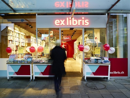 In vielen Filialen von Ex Libris gehen bald die Lichter aus: auch die hier zu sehende Outlet in Burgdorf steht nicht auf der Liste der Niederlassungen, die die Migros-Tochter fortführen will (Bild: Ex Libris)