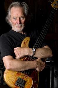 Kann bereits zwei Grammys sein Eigen nennen und nun auch einen Echo fürs Lebenswerk: Klaus Voormann (Bild: A. Dohm)
