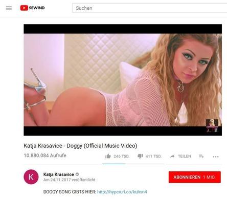 """Landet mit """"Doggy"""" den höchsten Neueinstieg in den Offiziellen Deutschen Charts der jüngsten Erhebungswoche und ist auch bei YouTube ein Hit: Katja Krasavice (Bild: YouTube.com, Screenshot)"""