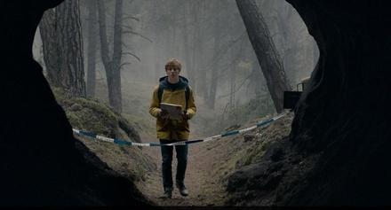 "Louis Hofmann in ""Dark"" (Bild: Netflix / Julia Terjung)"