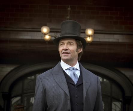 """Mit dem Soundtrack von """"The Greatest Showman"""" immer noch vorn: Hugh Jackman, hier in einer Szene des Films (Bild: Fox)"""