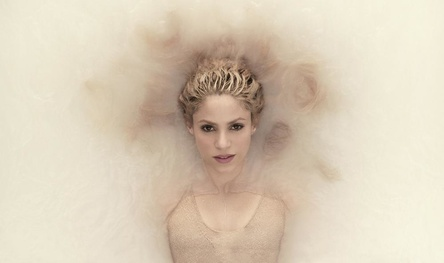 Muss noch länger pausieren: Shakira (Bild: Sony Music)