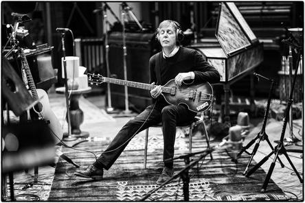 Nach langer Zeit wieder ganz oben in den deutschen Longplaycharts: Paul McCartney (Bild: Universal Music)