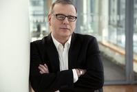 NDR-Fictionchef Christian Granderath sucht mit seinem Team Love Stories (Bild: NDR)