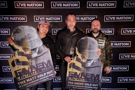 Partner beim einzigen Deutschlandkonzert von Eminem (von links): Nico Röger (Hannover Concerts), Andre Lieberberg und Matt Schwarz (beide Live Nation) (Bild: Live Nation)
