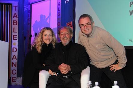 Schnappschuss vom Reeperbahn Festival 2015: Peter Rieger (Mitte) mit seiner Tochter Esther Rieger-Breuer und Manfred Gillig-Degrave (MusikWoche) (Bild: MusikWoche)