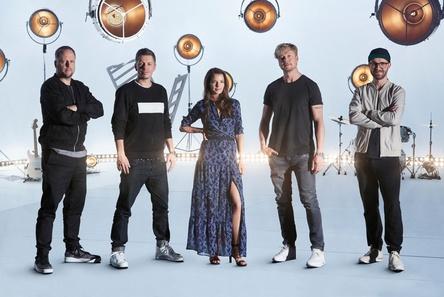 Spot an für The Voice Of Germany 2017: Die Jury-Mitglieder (von links) Smudo, Michi Beck, Yvonne Catterfeld, Samu Haber und Mark Forster (Bild: Richard Hübner/ ProSiebenSat.1)