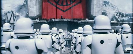 """""""Star Wars"""" ist auch zu Beginn des vierten Wochenendes nicht zu bremsen (Bild: Walt Disney)"""