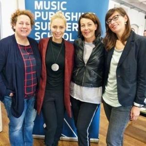 Trafen sich 2015 bei der Music Publishing Summer School (von links): Birgit B�cher (DMV), Alexa Feser, Rita Fl�gge-Timm (DolceRita), und Stefanie Kirschbaum (Hamburg Media School) (Bild: MusikWoche)
