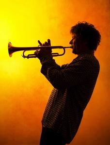 Tritt bei der jazzahead! mit seiner Band Oliver's Cinema auf: Trompeter Eric Vloeimanns (Bild: Maurits Giesen)