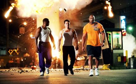 """Und wieder eine Nummer eins für Michael Bay: """"Pain & Gain"""" mit Anthony Mackie, Mark Wahlberg und Dwayne Johnson (Bild: Paramount)"""