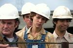 """Unter Männern: Claire Danes in """"Du gehst nicht allein"""" (Bild: Arte/HBO)"""