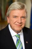 Unter Ministerpräsident Volker Bouffier will die schwarz-grüne Koalition in Hessen den Kinos unter die Arme greifen (Bild: Staatskanzlei)