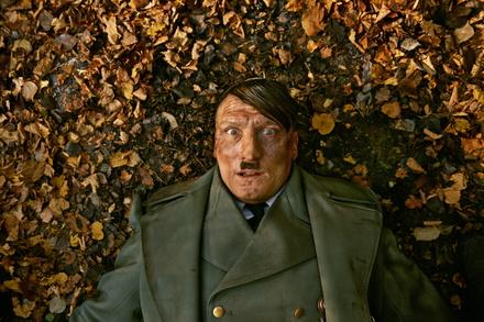 """Weltweit bei Netflix: """"Er ist wieder da"""" (Bild: Constantin)"""