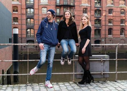 """Wollen die sogenannte Boostweek als """"wertvollen Teil einer ganzheitlichen Unternehmensstrategie"""" dauerhaft etablieren (von links): Markus Beele (Senior Director B2C & Marketing Services), Katharina Geiger (Director Human Resources) und Vanessa Klein (Junior Manager Human Resources) (Bild: Warner Music)"""