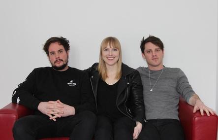 Wollen jetzt auch in Europa durchstarten (von links): Dylan Guthro, Breagh MacKinnon und Carleton Stone (Bild: MusikWoche)