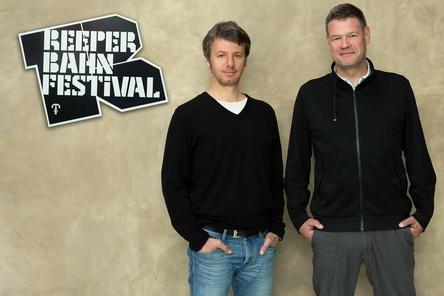 Wollen mit ihrer Veranstaltung nur bedingt quantitativ wachsen: Detlef Schwarte (links) und Alexander Schulz vom Reeperbahn Festival (Bild: Rieka Anscheit)